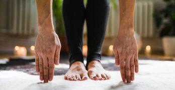 Practicar yoga en casa